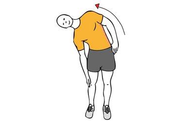 Estiramiento de abdominales oblicuos de pie