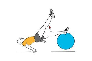 Flexión de cadera con la pelvis elevada sobre pelota de pilates