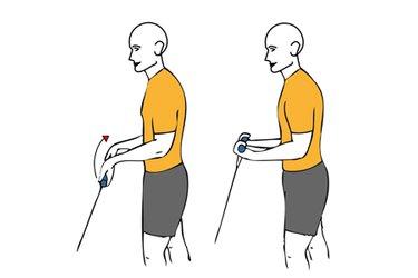 Flexión de muñeca con cable-polea de pie