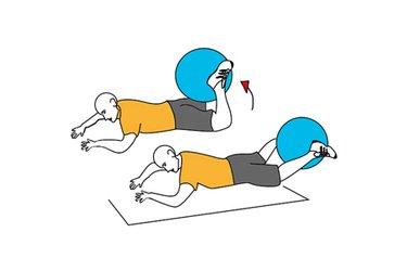 Flexion de rodilla boca abajo con pelota de pilates