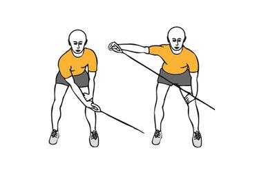Tirón diagonal a una mano con cable-polea de pie