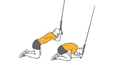 Flexión de tronco adelante con cable-polea de rodillas