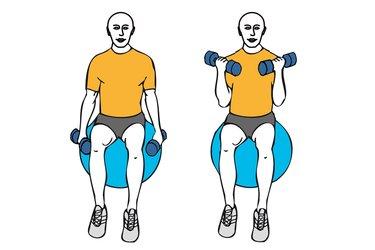 Curl de biceps con giro sentados sobre pelota de pilates