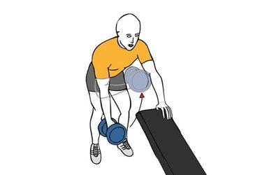 Curl de biceps al pecho con mancuerna y cuerpo inclinado