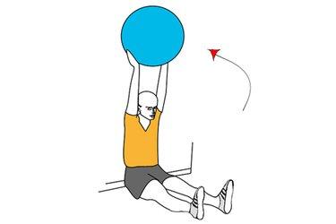 Extesión de brazos sujetando pelota de pilates
