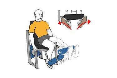 Extensión de piernas en maquina pies hacia fuera