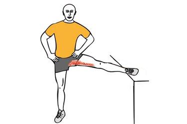 Estiramiento de aductores de pie con pierna elevada