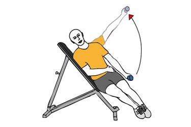 Elevación lateral de hombro con mancuerna en banco inclinado