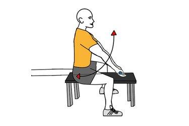 Elevacion frontal de hombros con poleas