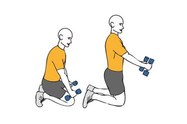 Estiramiento vertebral con mancuernas de rodillas