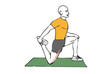 Estiramiento de cuadriceps con una rodilla en el suelo