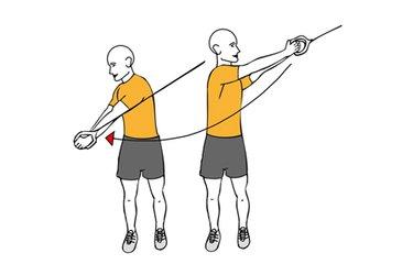 Tirón diagonal con cable-polea de pie