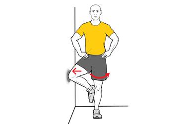 Estiramiento y activación del glúteo de pie