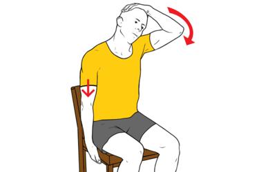 Estiramiento para trapecio medio sentado